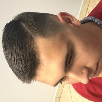 Vyriski kirpimai ir barzdu modeliavimas,skutimas / Loreta / Darbų pavyzdys ID 355745
