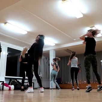 Šokiai, šokių pamokos / Jogailė Petrauskaitė / Darbų pavyzdys ID 366485