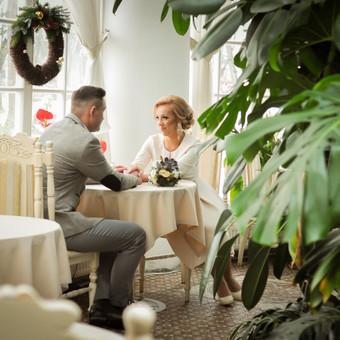 Vestuvinė poros fotosesija Raudondvario dvaro oranžerijoje.