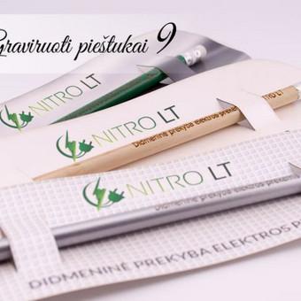 Reklaminiai pieštukai su pakuote. UAB Nitro LT firminiai pieštukai mielos dovanėlės klientams.