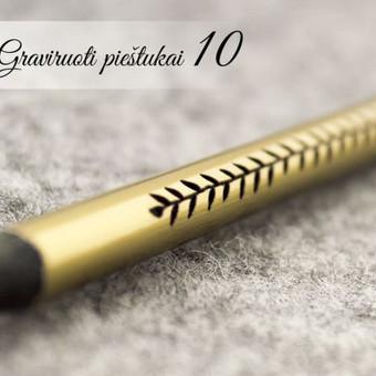 Auksinis graviruotas pieštukas su vardu ir ornamentu. Asmeninis dėmesys draugei. Dovana draugei.