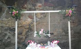 Baltos gervės. Švenčių dekoras ir floristika