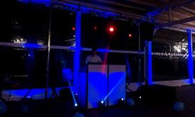 DJ + vedėjas, apšvietimo bei garso įranga