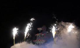 Vidurnaktis kitaip - Champagne Tower/Šampano taurių piramidė