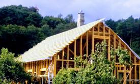 Senu mediniu namu renovacija