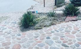 Akmens mūro darbai, Šlaitų ir pakrančių tvirtinimas.Atramine
