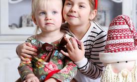 Kalėdinė šeimos fotosesija FotoVaiko studijoje. Vilnius