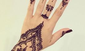 Laikinos chna tatuiruotės, Henna tattoo