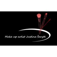 Make up artist Justina