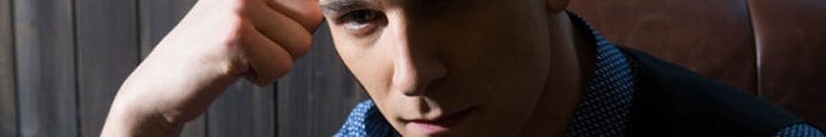 Aktorius, renginių vedėjas - Simonas Storpirštis.