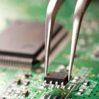 Elektronikos komponentų montavimas ant PCB plokščių