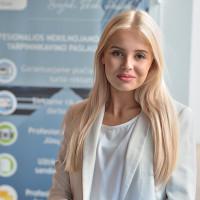 NT brokerė Irena Adamovič