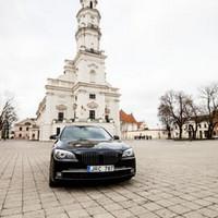 BMW 750IL JUODAS